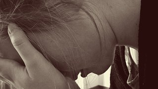 PCOS-symptoms-diagnosis-hair-growth